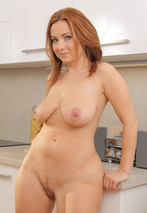 Free Mature Housewives Sex Pics